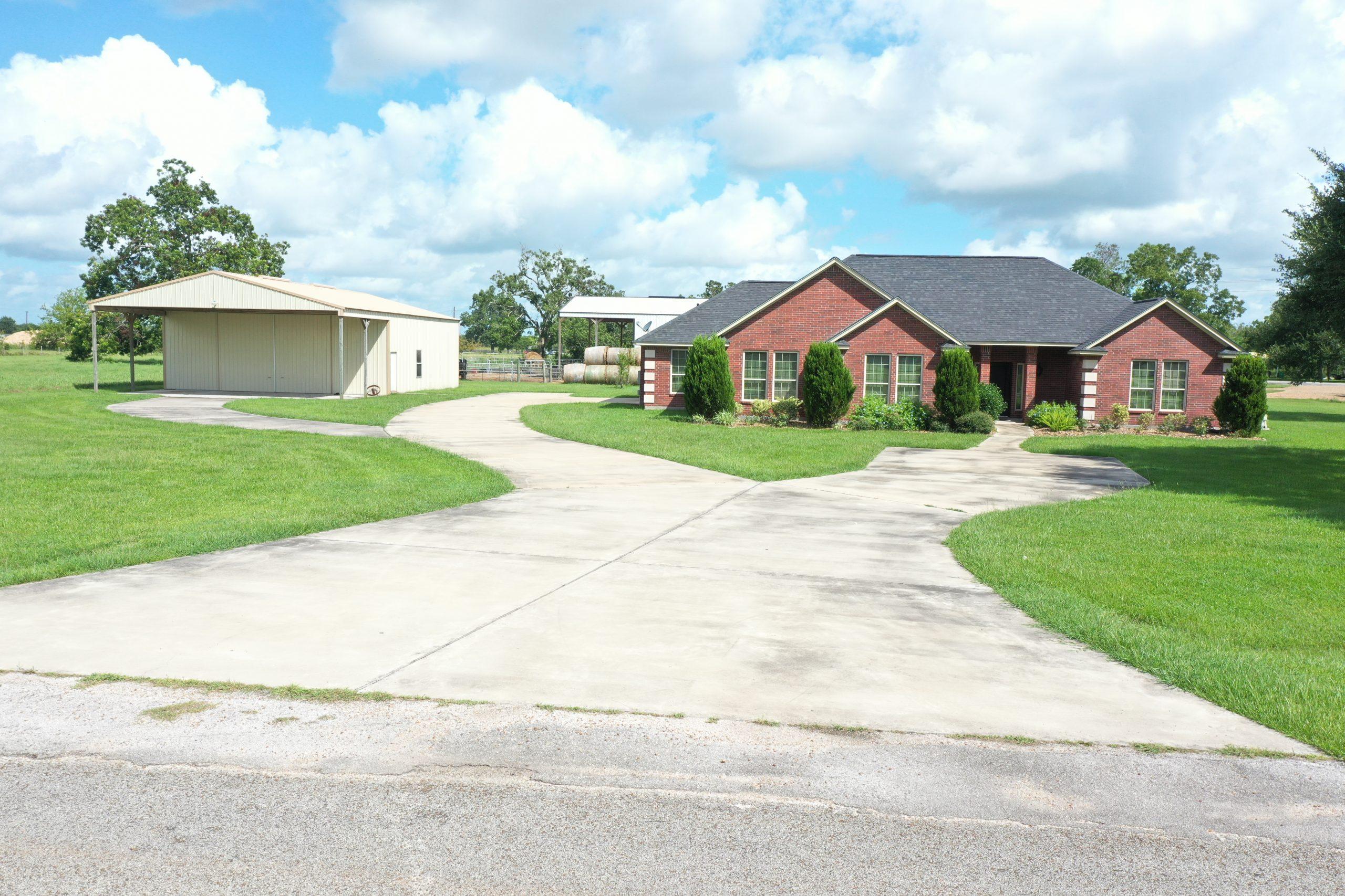 Custom built home on acreage in Wharton