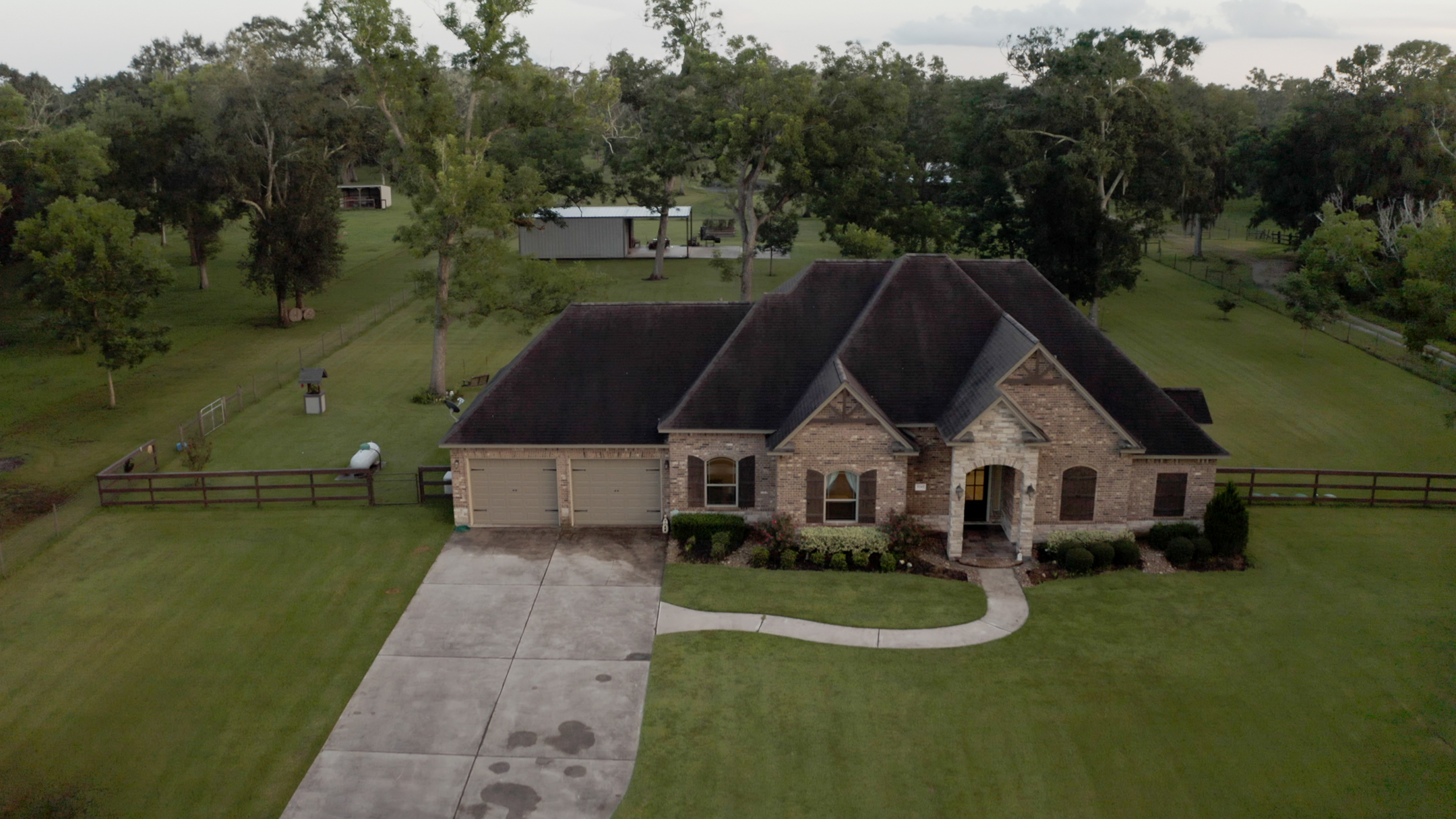 Custom Home, Cattle Ranch and San Bernard River front